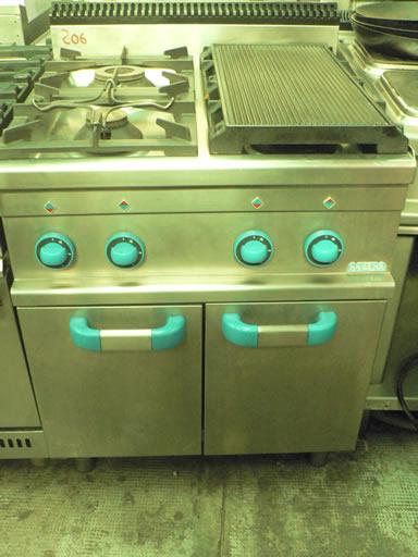 Cucine cucina 4 fuochi senza forno mbm usata for Cucina 6 fuochi zanussi usata