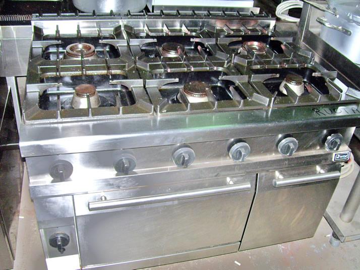 Cucine cucina 6 fuochi con forno a gas usata - Cucina con forno a gas ...